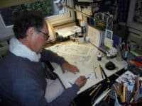 André Juillard au travail sur les premières planches de l'Épervier (JLT ®)